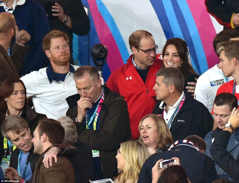 2CCD9E3000000578-3250276-We_ve_done_it_you_ve_not_Prince_William_and_Kate_celebrate_at_fu-a-103_1443303103569