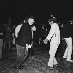 oh wow!Groucho Marx (70) and Diana Ross (22), 1966