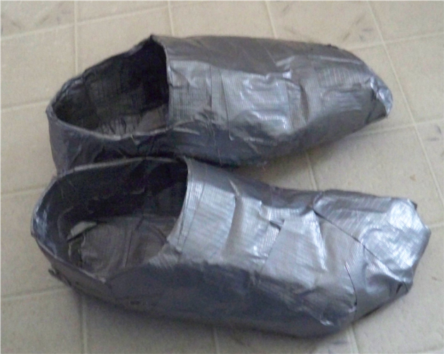 duct_tape_shoes_2_by_lord_hayati