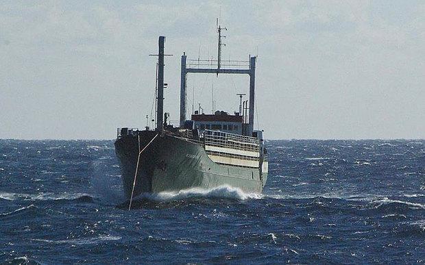 Migrant-ship-Ezade_3424640b