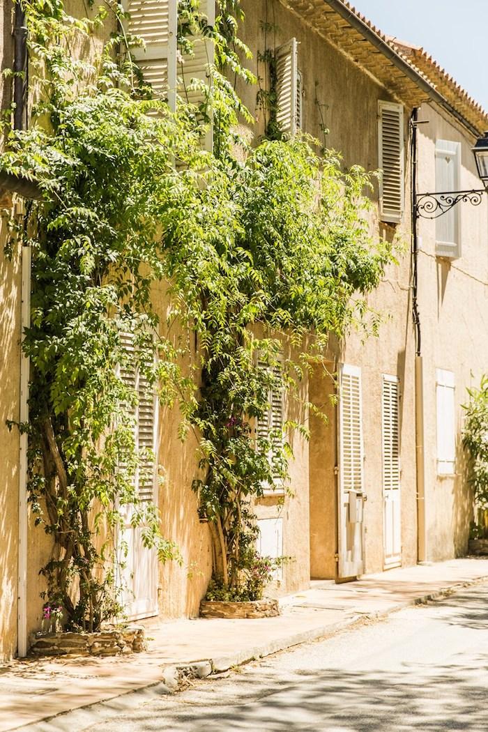 rue-de-la-ferme-france-by-martin-morrell