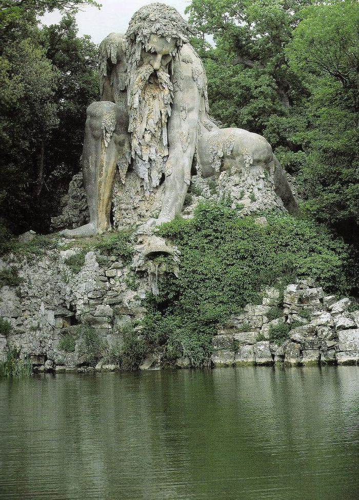 colosso-dell-appennino-sculpture-florence-italy-1__700