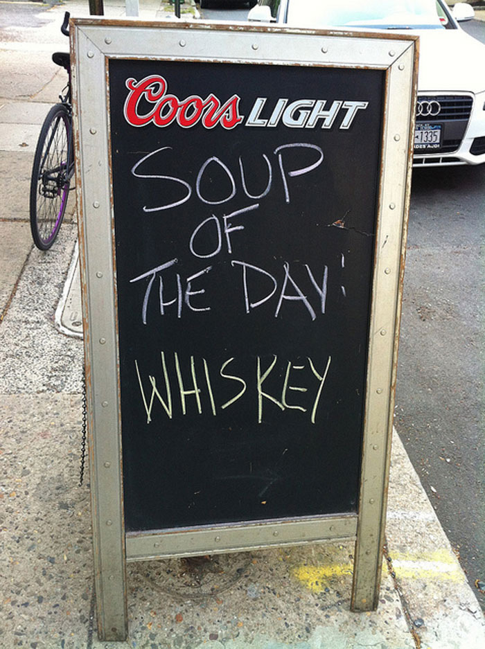 funny-bar-signs-22__700