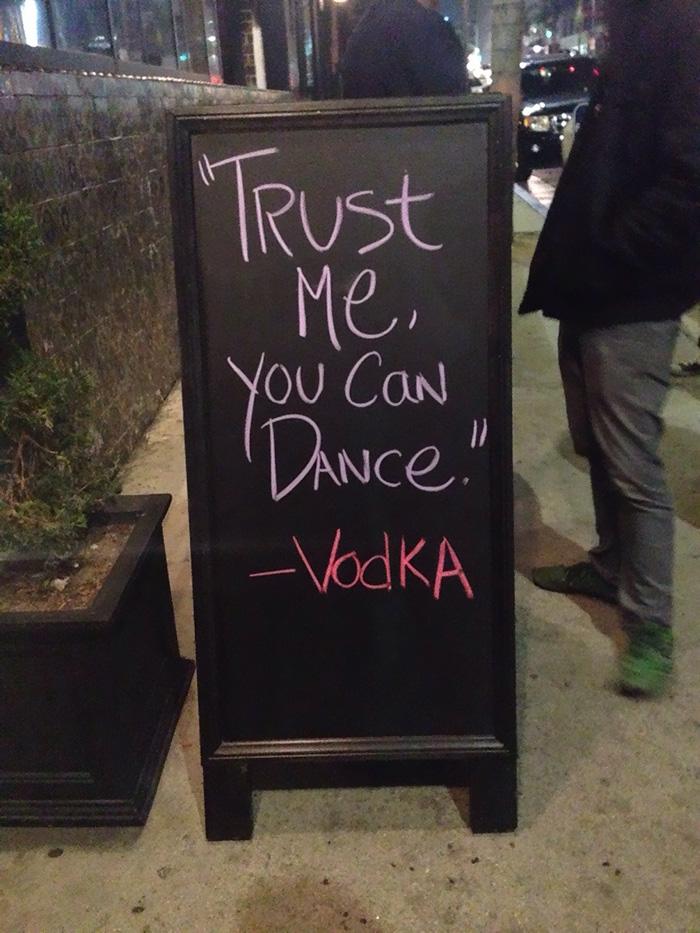funny-bar-signs-26__700