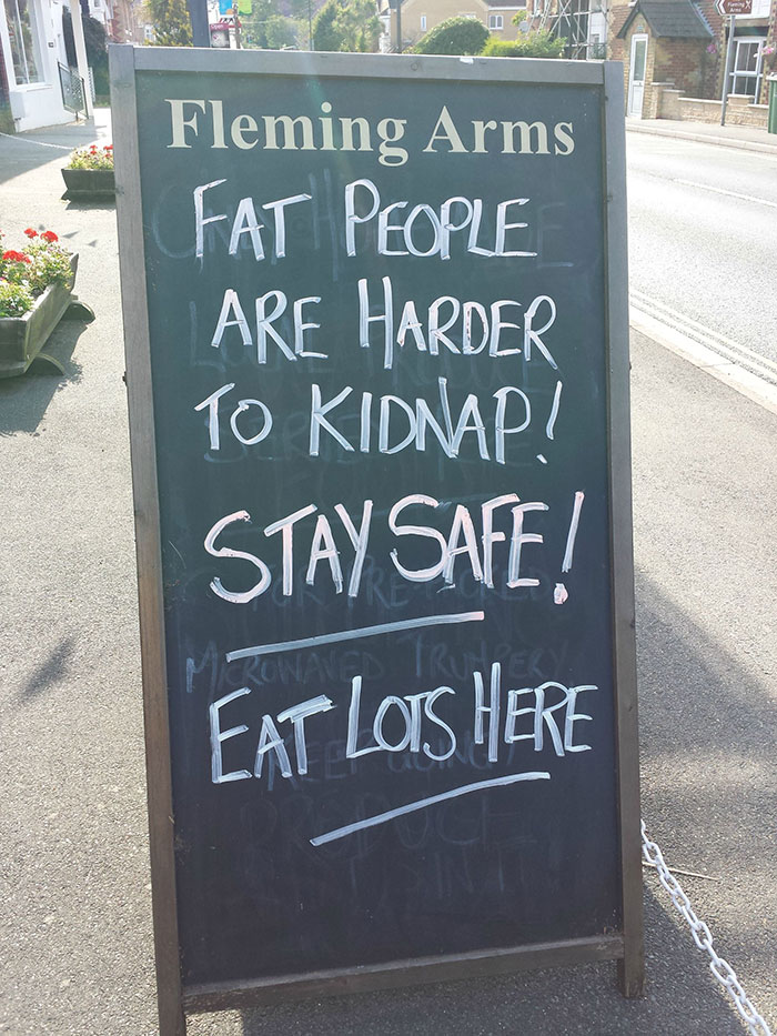 funny-bar-signs-39__700