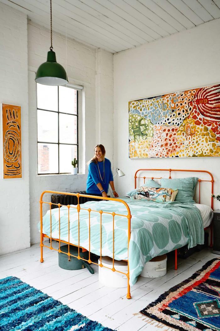 warehouse-conversion-loft-bedroom-