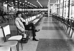 Jimmie Nicol filled in for Ringo Starr when he had tonsillitis. For 10 days he traveled with The Beatles on tour throughout Australia. Here he is photographed after the tour, departing Melbourne Airport, on the cusp of returning back to his bland, normal life. [1964]